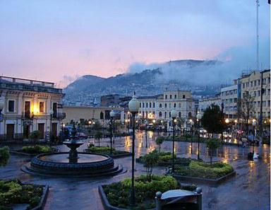 La bellissima Plaza a Quito